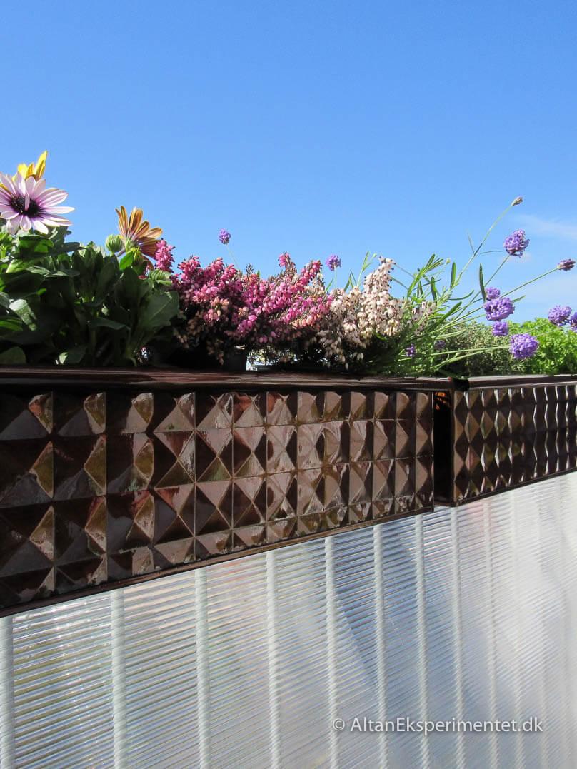 Smukke altankasser gem på Pinterest